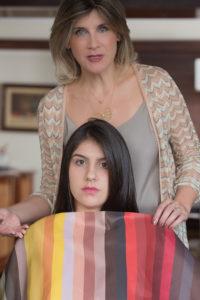 """Análise de coloração pessoal: avaliamos a coloração pessoal da sua pele, cabelos e olhos, para definirmos sua paleta de cores. Ela deverá ser utilizada em seus """"looks"""", na maquiagem e coloração de cabelo, para trazer mais harmonia para o visual."""