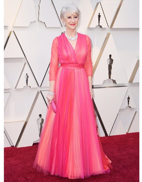 Rosa no Oscar - Helen Mirren de Schiaparelli