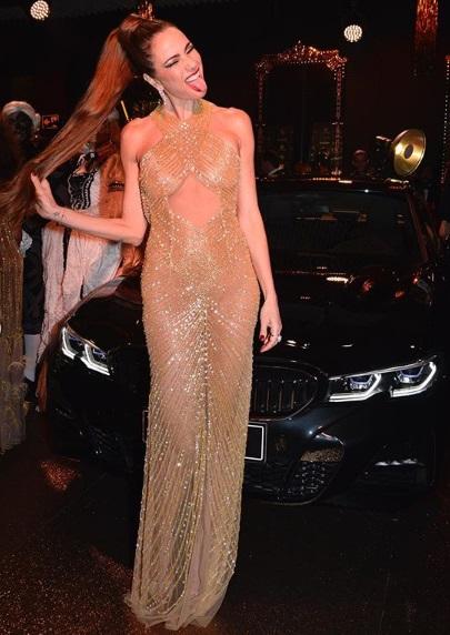 post 38 - dourado no baile da Vogue - Luciana Gimenez
